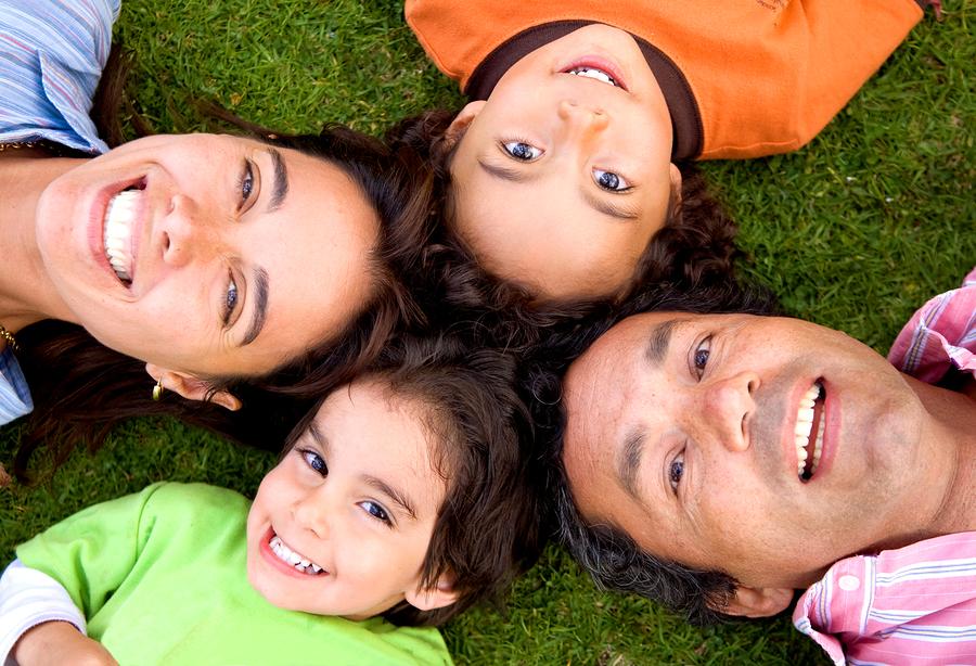 Keluarga bahagia AIA Public Takaful