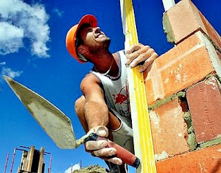 Daftar Harga Upah borongan tukang tenaga pekerja bangunan per meter, las, kayu, pipa, di surabaya, pekanbaru, jakarta, medan, samarinda, batam, bandar lampung, bandung, jogja.
