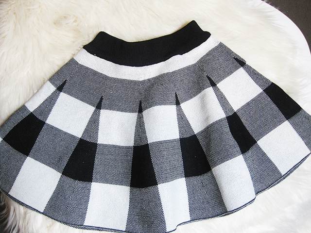 www.rosewholesale.com/cheapest/stand-collar-plaid-knit-sweater-1522383.html?lkid=369184