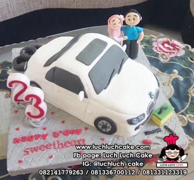 Kue Tart Bentuk Mobil BMW