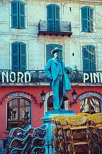 Estatua de Frederic Mistral a Arle
