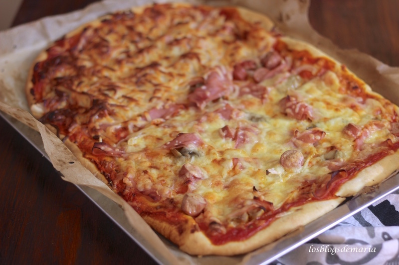 Pizza de atún, bacon y cebolla, receta asatablogs