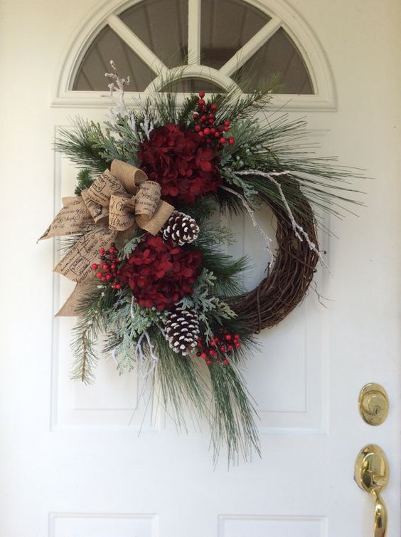 christmas%2Bwreaths%2Bfor%2Bfront%2Bdoor%2Bdiy%2Bfun%2B%25289%2529 - 10 Christmas Wreaths for Front Door DIY Easy & Simple
