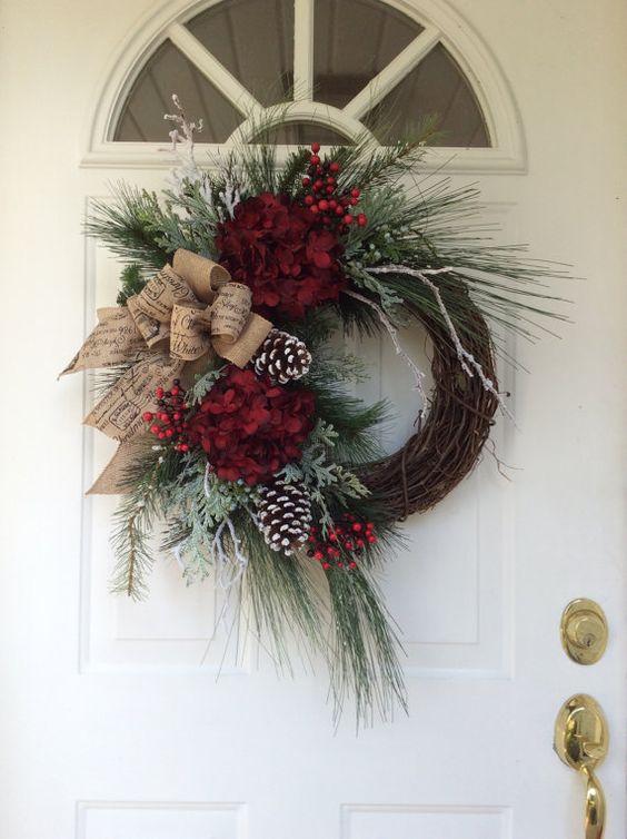 christmas%2Bwreaths%2Bfor%2Bfront%2Bdoor%2Bdiy%2Bfun%2B%25289%2529 - 10 Christmas Wreaths for Front Door DIY Easy & Simple