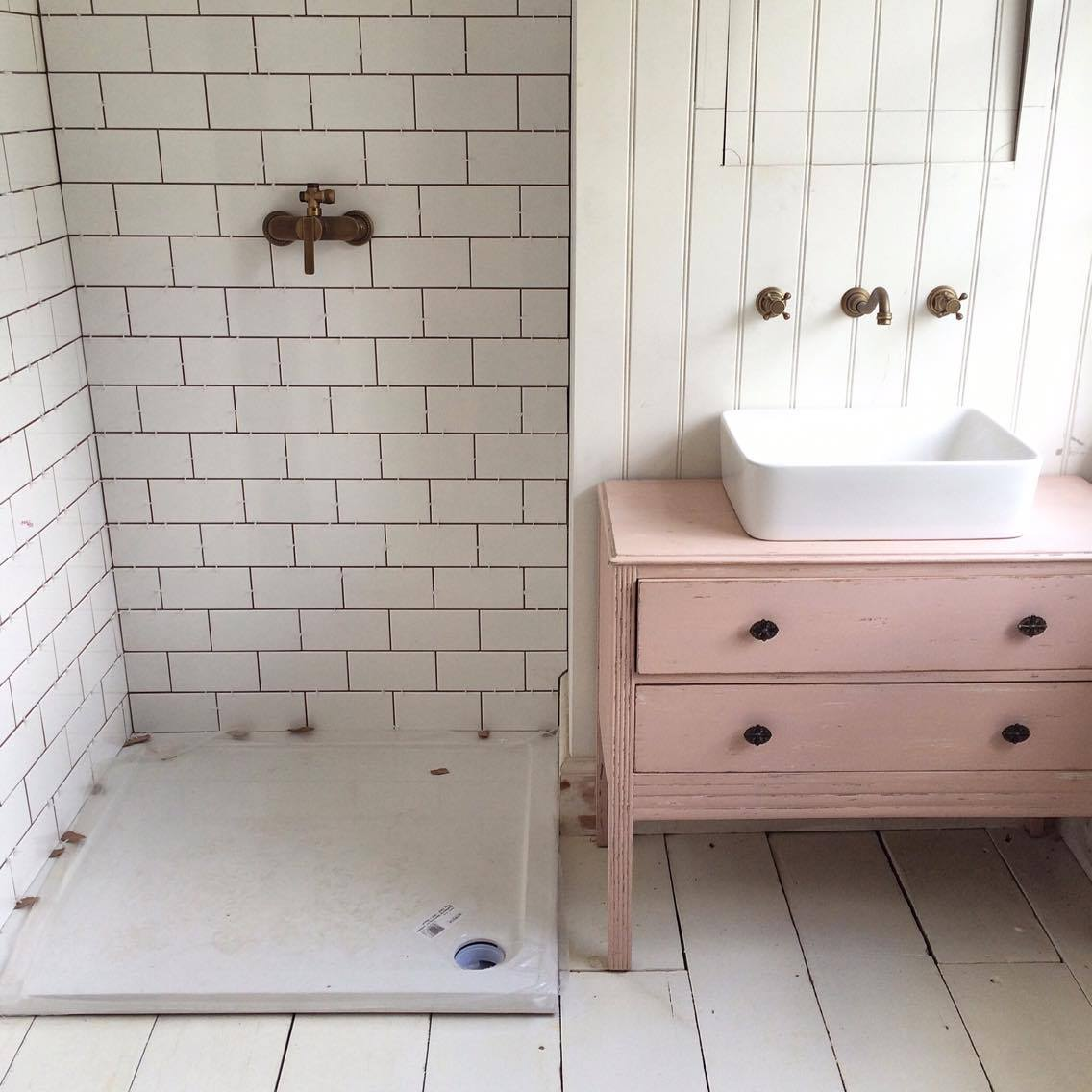 Makeover  Turning a chest of drawers into a bathroom sink