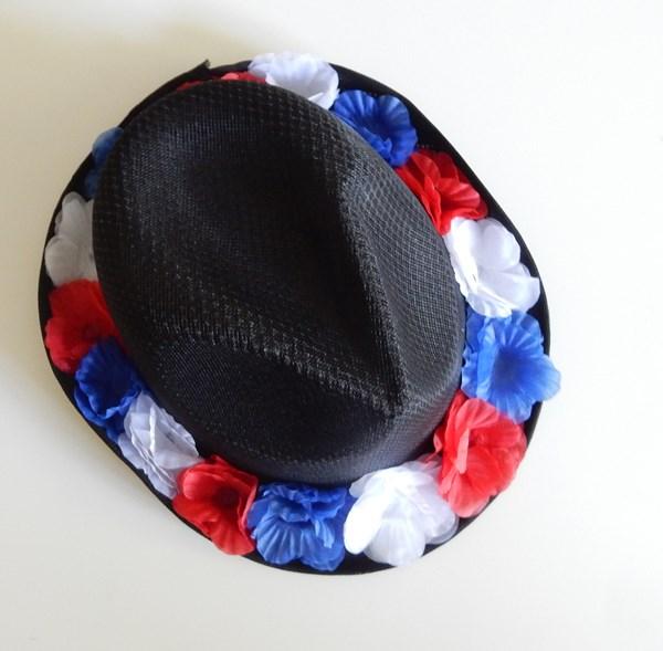 DIY : le chapeau du supporter de la France