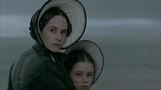Imagen de 'El piano (1993)' - Ada y Flora llegan a la playa