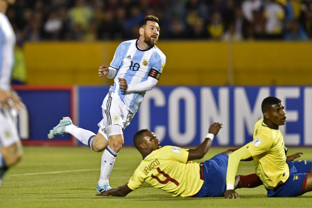 dang-Messi-giai-cuu-Argentina-2