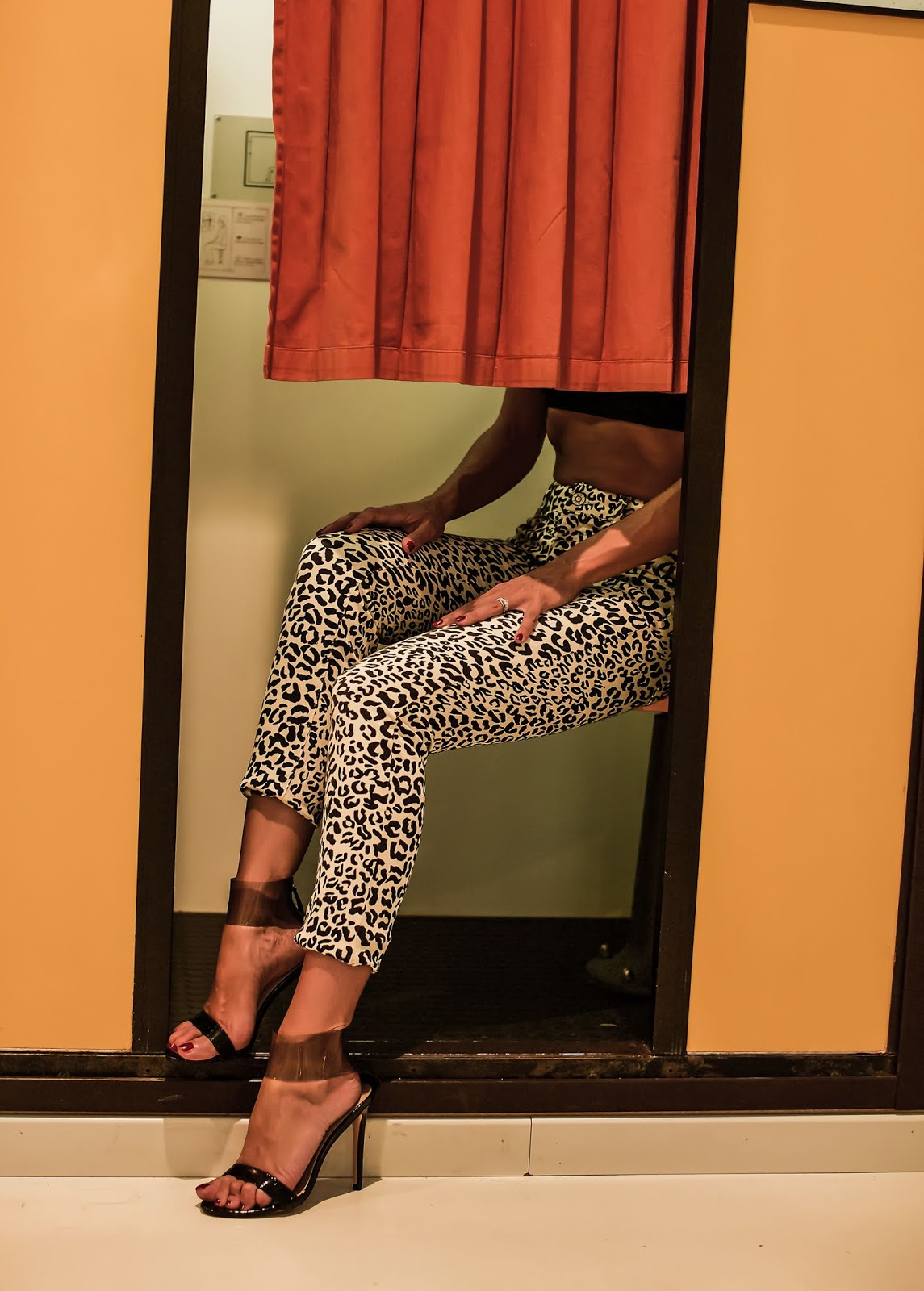 pantaloni stampa leopardata