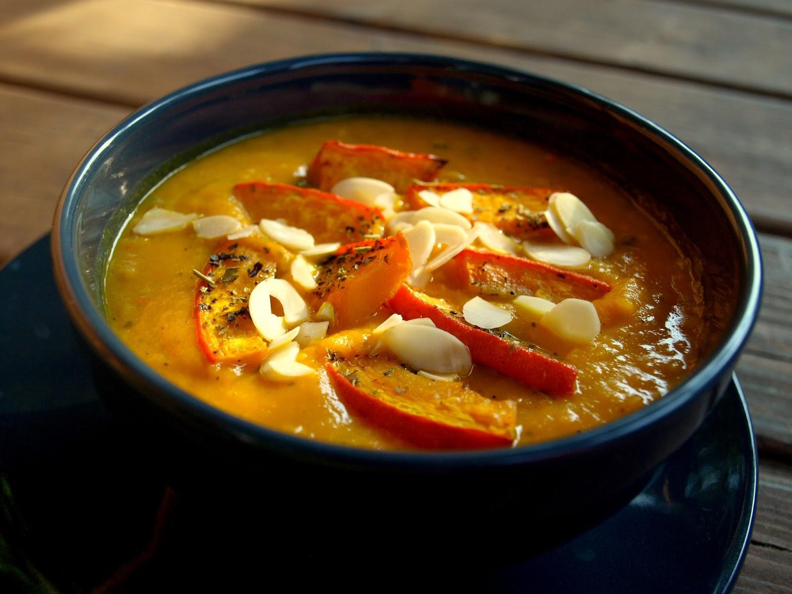 Zupa krem z dyni z soczewicą i pomidorami- najlepsza na jesienne chłody