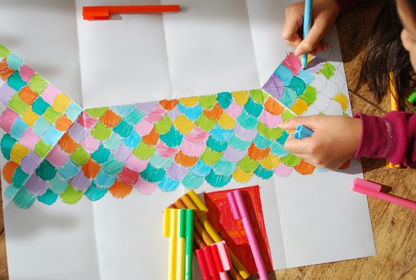 Casetta Di Natale Da Colorare : Casetta di cartone da colorare