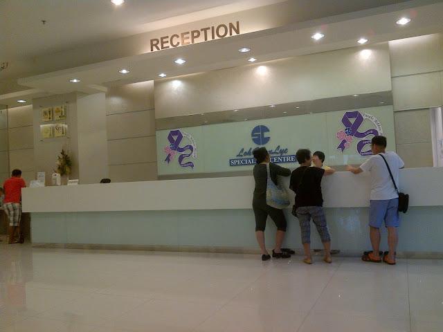 Resepsionis Loh Guan Lye Hospital Penang