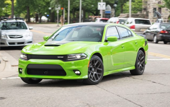 2017 Dodge Charger Daytona 5.7L V-8 Review