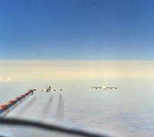 Testes Contrail sendo realizado em um Airbus A340 e Boeing muito mais velho 707-1