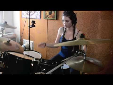 Elise Trouw: Hit like a Girl Contest 2015 Finalist