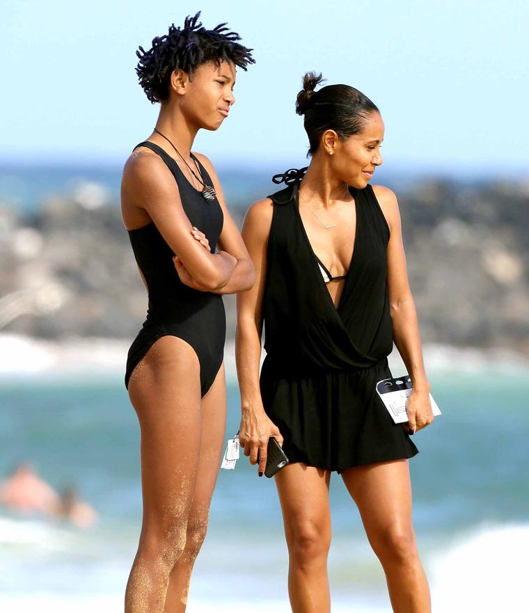 Jada Pinkett Smith, 44, Slays In Black Swimsuit During ...