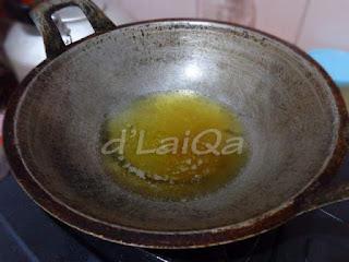 panaskan minyak goreng
