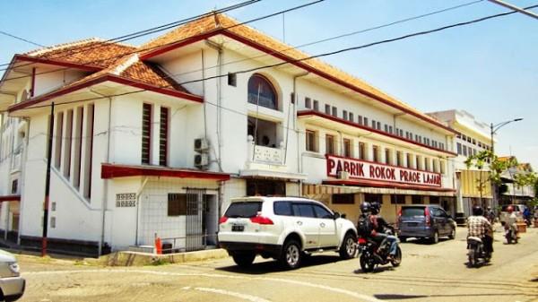 Praoe Lajar Cigarette Factory
