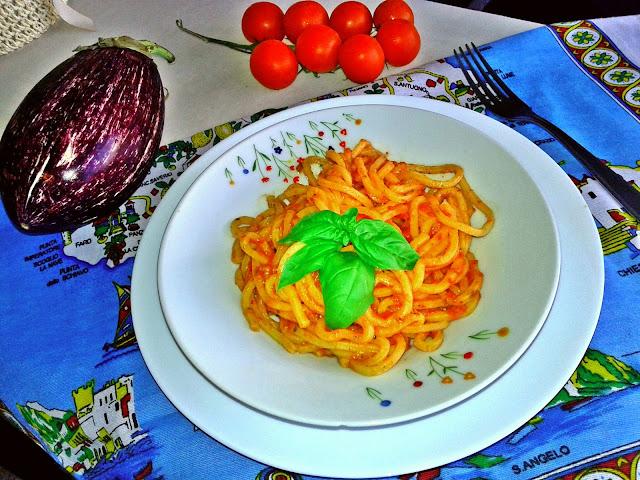 баклажани і болгарський перець рецепт
