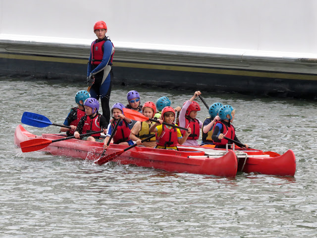 Kids learning to paddle, South Dock, Canary Wharf, London