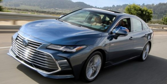 2020 Toyota Avalon Review: Breathing Life Into the Sedan Segment