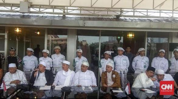 Daftar Tim 11 Ulama Alumni 212 yang Bertemu Jokowi di Bogor