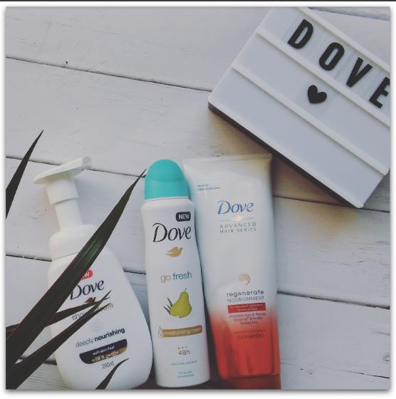 Pachnąca paczka z kosmetykami Dove