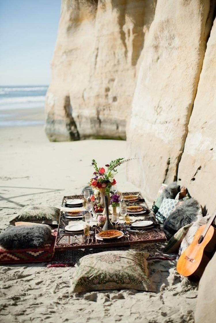 cena boho en la playa