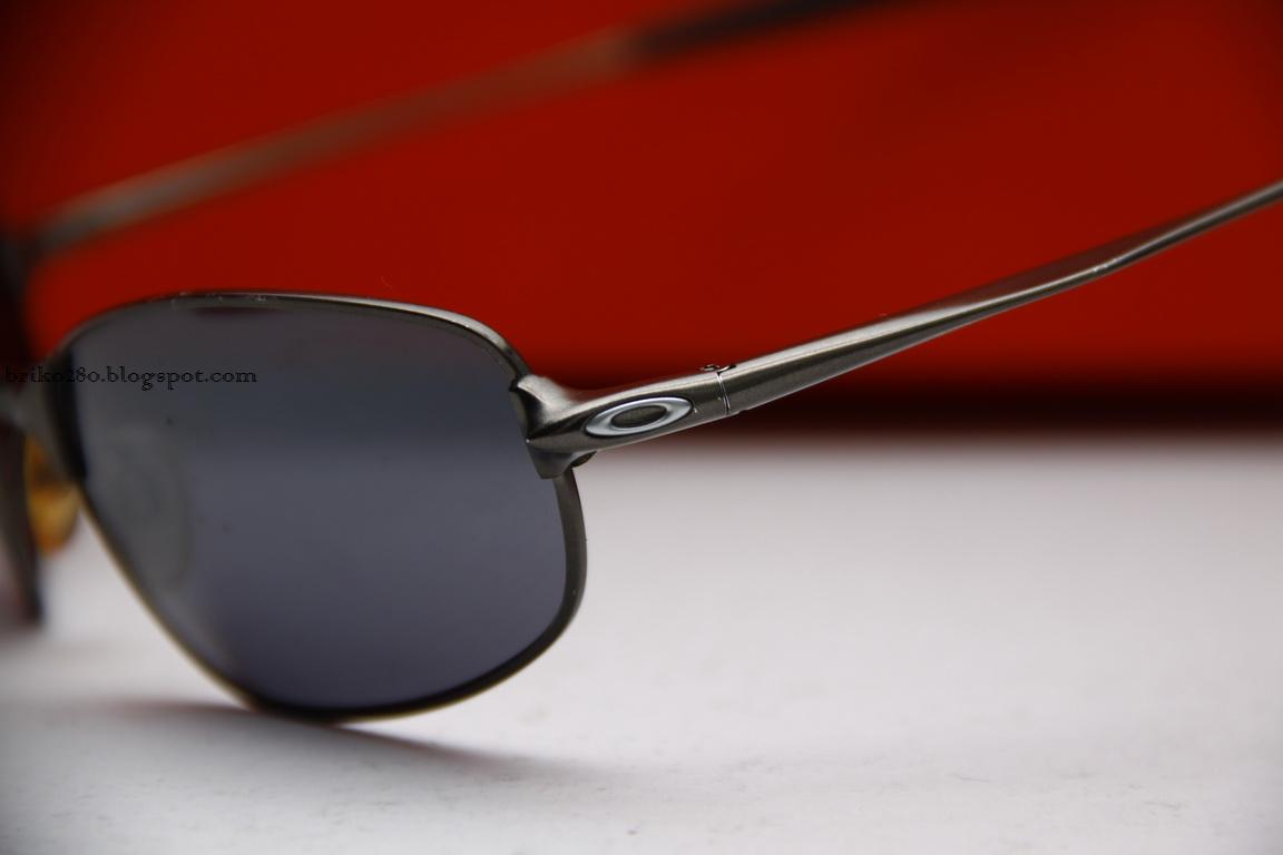 c2d1a76862 Oakley Big Square Wire « Heritage Malta