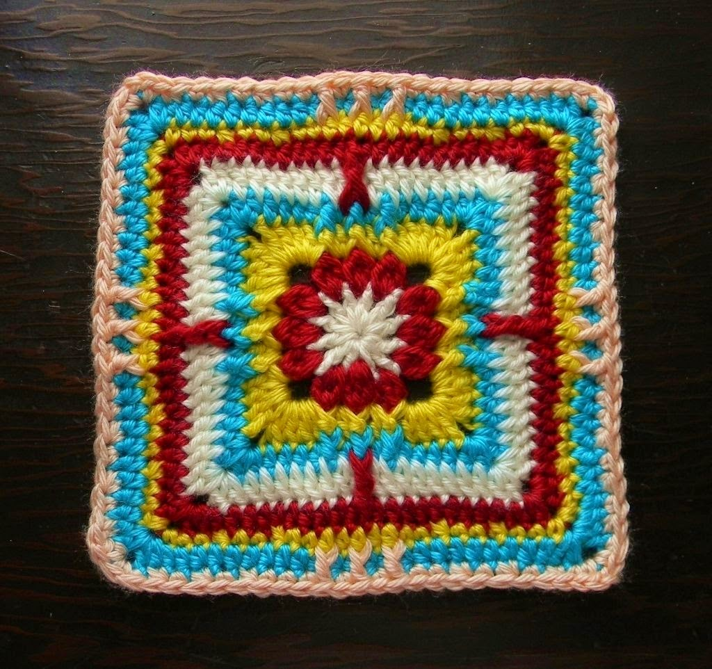 Free crochet pattern - Clusteray Granny Square