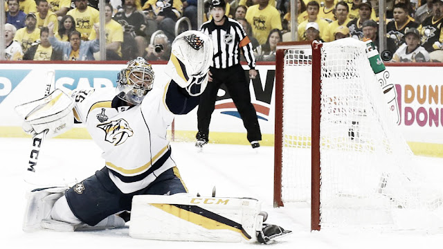 "HOCKEY HIELO - Pekka Rinne es el primer ""Unmasked Goalie of the Year"""