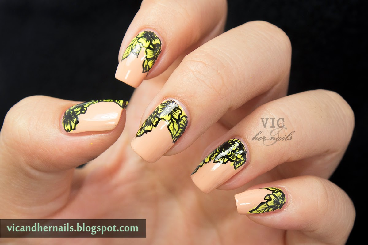 Vic and Her Nails: GOT Day 18 - Neon