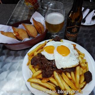 The Black Rock Pub Chorrillana cerveza empanadas