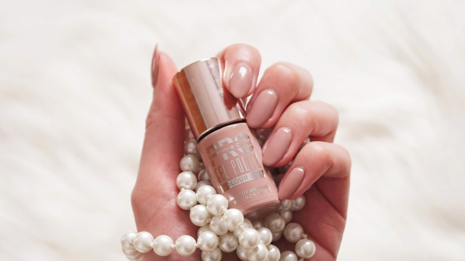Czy to idealny odcień nude? - Constance Carroll PRO Hybrid Colour Gel 4