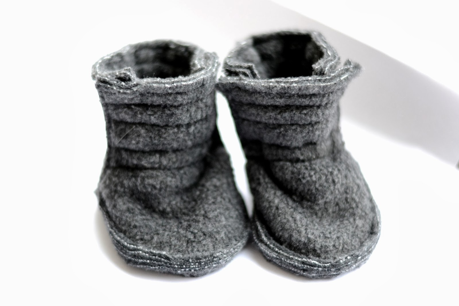 Baby booties grey fleece