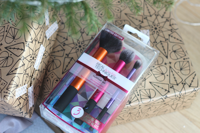 real techniques gift set christmas 2016