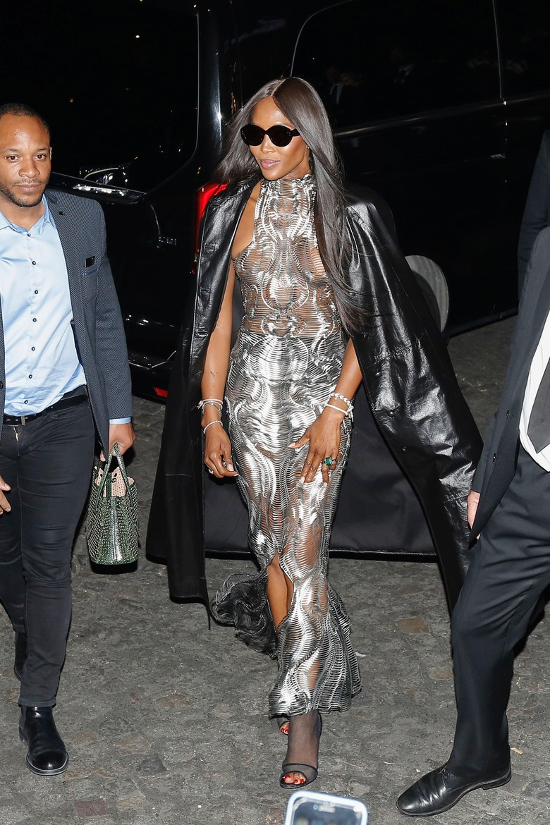 Naomi Campbell Rock the Show at Paris Fashion