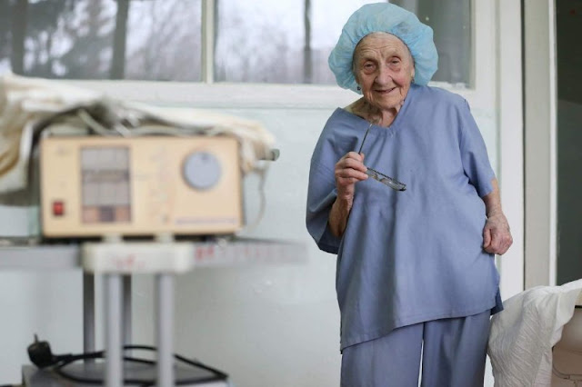Russia's oldest surgeon