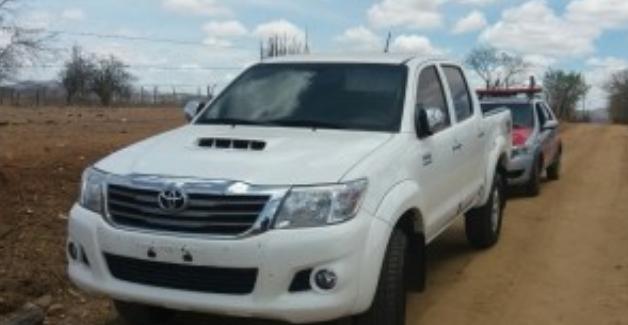 Em Inhapi, veículo é encontrado abandonado em estrada vicinal  que dá acesso ao sítio Melancia