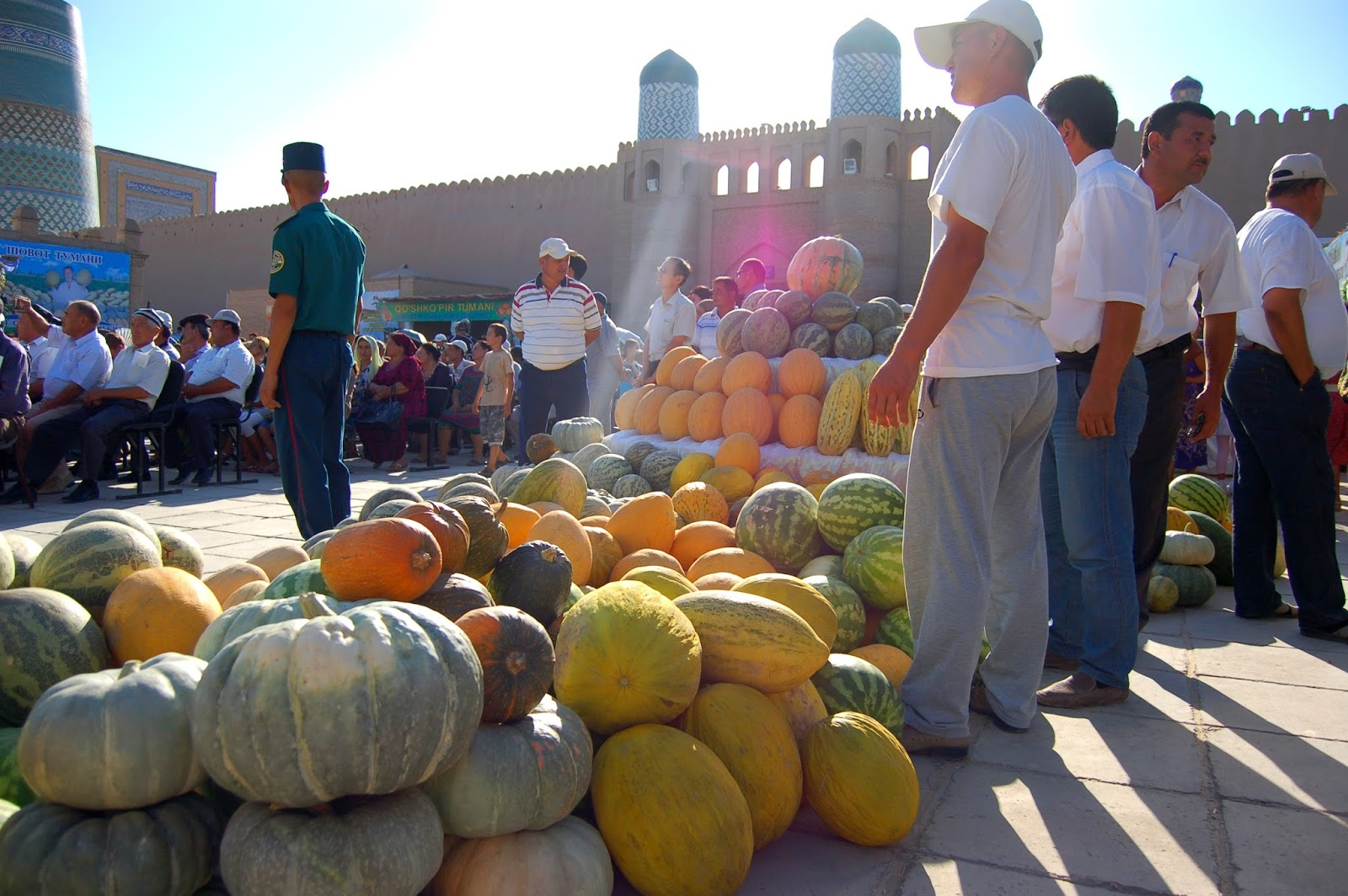 Le Chameau Bleu - Blog Voyage Ouzbékistan -  fête du melon et de la pastèque Khiva