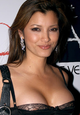 Kelly Hu decote