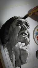 Proceso retrato en acuarela en blanco y negro de una mujer llorando.