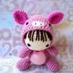 http://www.patronesmil.es/patron-amigurumi-doll.html