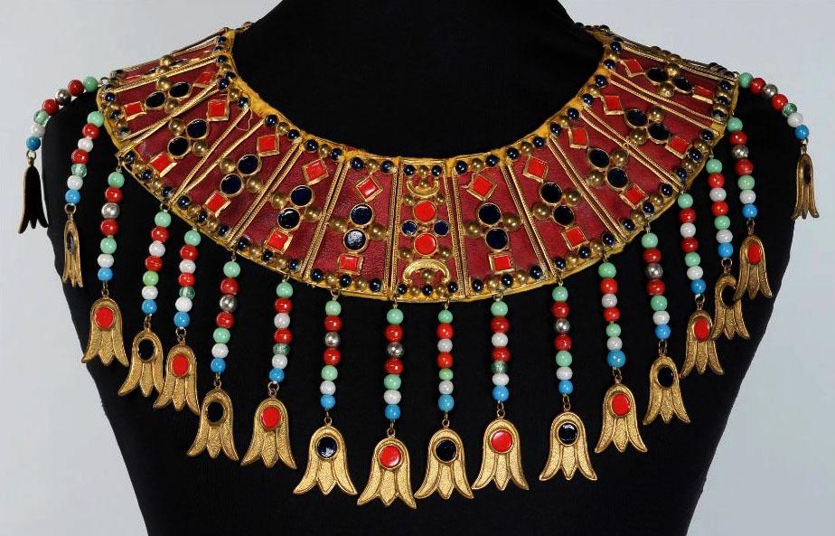 collier de perles opera garnier