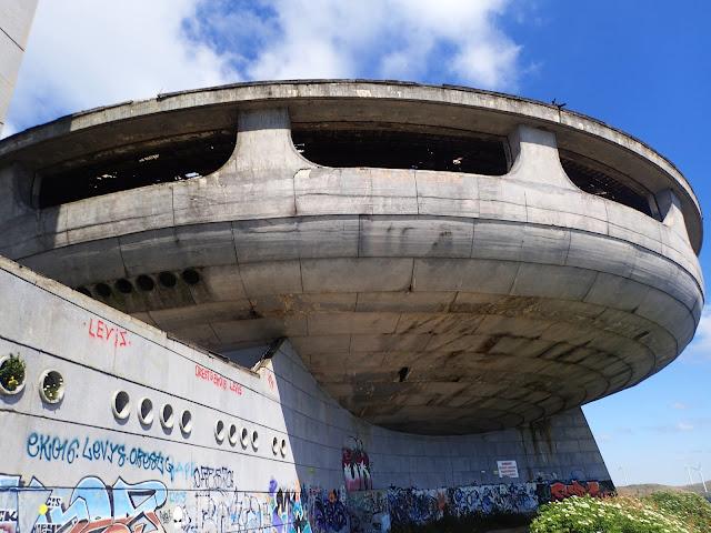 """Buzłudża - """"UFO"""" na szczycie góry"""