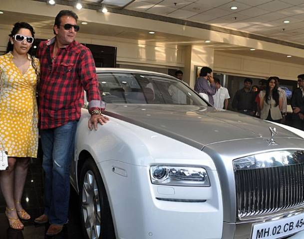 Shahrukh Khan Cars And Bikes Collection List >> Bollywood celebs who own fabulous and super expensive luxury cars! - BollyBytes