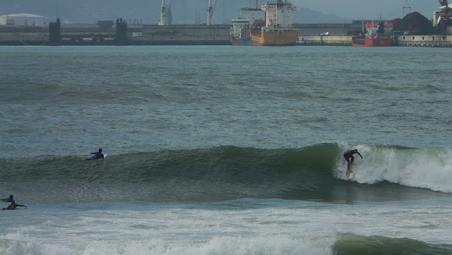 surf en el puerto viejo algorta jefris 01