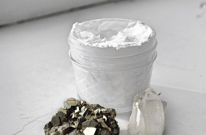 http://www.thecapitalf.com/2016/04/homemade-almond-vanilla-lotion.html