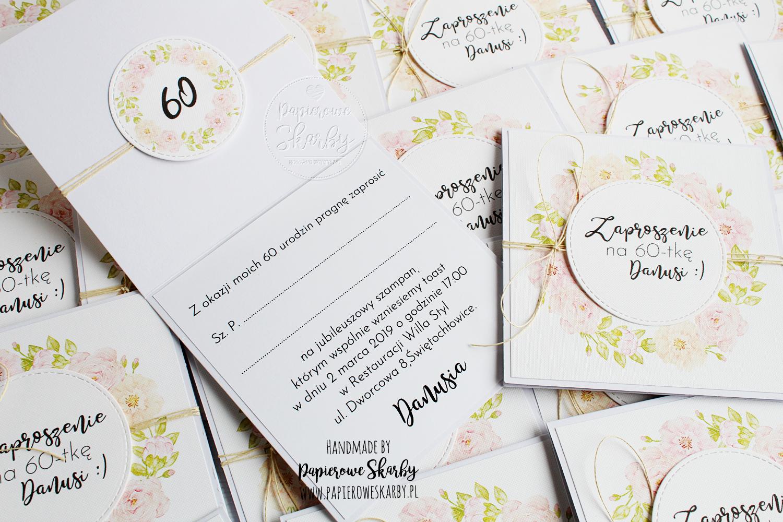 scrapbooking cardmaking handmade rękodzieło zaproszenia zaproszenie invitation invitations urodziny urodzinowe kwiaty kwiatowe pastelowe kwadratowe na chrzest na komunię świętą komunijne pierwsza komunia święta dla dziewczynki dla chłopca na 60-tkę 60tkę 60 60tka 60-tka sześćdziesiątka na sześćdziesiątkę