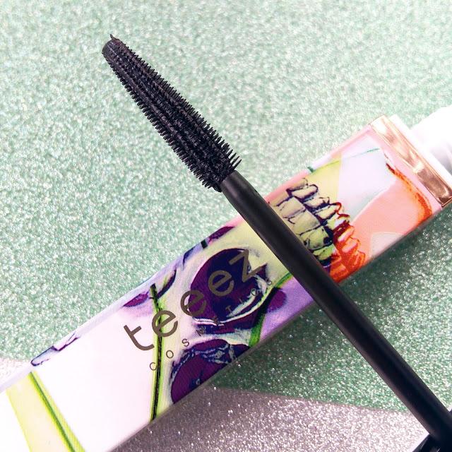 mascara de pestañas bullet proof de teeez cosmetics